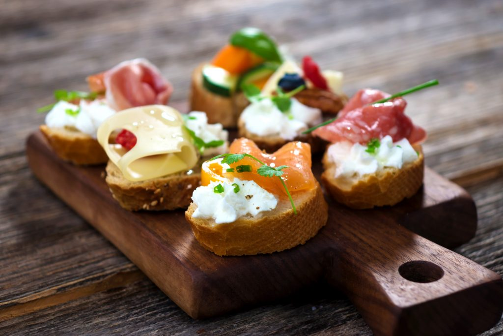 New years eve party food drink and theme ideas from for Classy cuisine canape maker