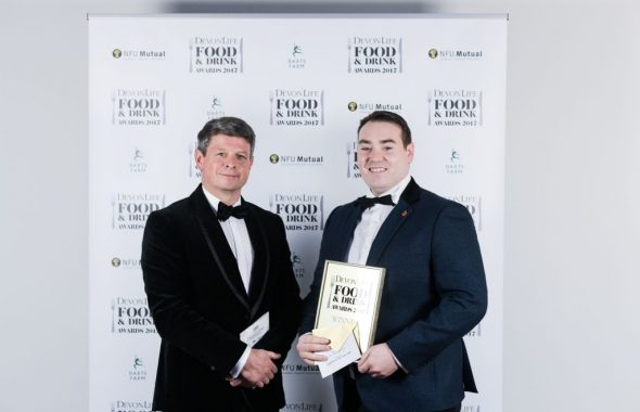Simon Cocking presenting Luke Fearon with best chef award
